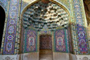 SHIRAZ, The pink mosque-Nasir Al Mulk (8)
