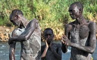 Ethiopia-The-Omo-Valley-Surma-Tribe-063