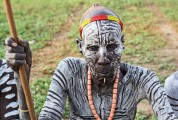 Ethiopia-The-Omo-Valley-Kara-Tribe-014