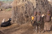 Ethiopia-The-Omo-Valley-Nyangaton-Tribe-020
