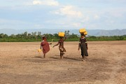 Ethiopia-The-Omo-Valley-Nyangaton-Tribe-026
