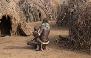 Ethiopia-The-Omo-Valley-Nyangaton-Tribe-037