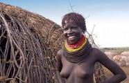 Ethiopia-The-Omo-Valley-Nyangaton-Tribe-042