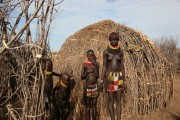 Ethiopia-The-Omo-Valley-Nyangaton-Tribe-045