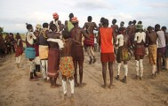Ethiopia-The-Omo-Valley-Nyangaton-Tribe-046