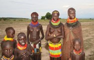 Ethiopia-The-Omo-Valley-Nyangaton-Tribe-060