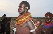 Ethiopia-The-Omo-Valley-Nyangaton-Tribe-061
