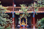 LIJIANG, Jade Bee Temple (3)