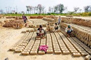 LAHORE BRICK FACTORY, BONDED LABOR (12)