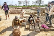 LAHORE BRICK FACTORY, BONDED LABOR (18)